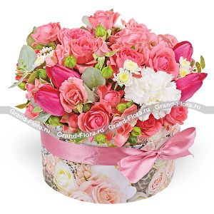 Just smile! - a box with pink roses and tulips